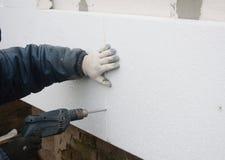 Parede de isolamento da casa do contratante de construção com insulat do isopor imagem de stock royalty free