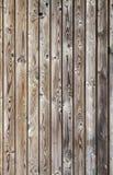 Parede de madeira cinzenta resistida uncolored vertical Foto de Stock Royalty Free