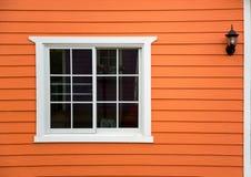 Parede de madeira da casa fotografia de stock royalty free