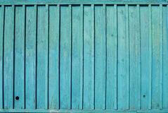 A parede de madeira do celeiro azul foto de stock royalty free