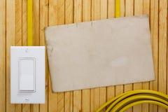 Parede de madeira do interruptor da luz externo Imagem de Stock Royalty Free