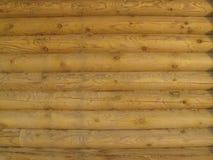 Parede de madeira feita da textura dos logs Imagem de Stock