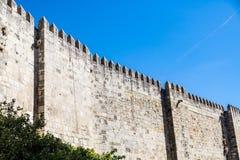 Parede de pedra antiga em Lisboa Imagem de Stock