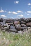 Parede de pedra cinzenta velha no condado Kerry Ireland Fotos de Stock Royalty Free