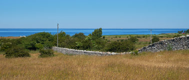 Parede de pedra, KarlXgustavs Mur Isle de Oeland, Suécia Fotos de Stock Royalty Free