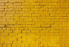 Parede de tijolo amarela Fotos de Stock Royalty Free
