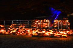 Parede de tijolo colorida de sal dentro da mina de Khewra Fotos de Stock Royalty Free