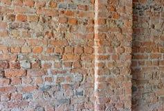 Parede de tijolo com coluna Fotografia de Stock