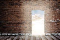 Parede de tijolo com porta aberta ilustração do vetor