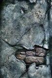 Parede de tijolo danificada velha foto de stock royalty free