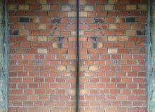 Parede de tijolo do fundo inferior da construção com partilha de superfície fotos de stock royalty free