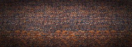Parede de tijolo do Grunge, vista panorâmica velha da alvenaria fotografia de stock