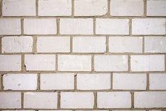 Parede de tijolo realmente branca urbana suja imagens de stock
