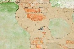 Parede de tijolo velha com emplastro caído Imagem de Stock Royalty Free