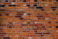 Parede de tijolo velha e rachada Imagem de Stock