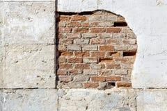 Parede de tijolo velha vermelha Imagens de Stock Royalty Free