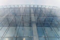 Parede de turquesa do edifício de vidro Fotografia de Stock Royalty Free