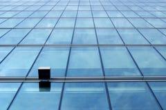 Parede de vidro azul fotografia de stock