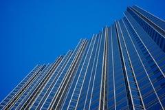 Parede de vidro do arranha-céus foto de stock