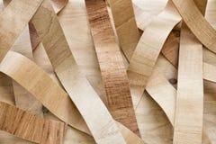 Parede decorativa alinhada com as folhas da madeira Imagem de Stock