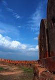 Parede do forte com céu Imagem de Stock