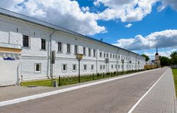 Parede do monastério de Novo-Golutvin da trindade santamente Fotos de Stock