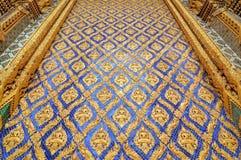 Parede do templo tailandês imagem de stock