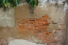 Parede do vintage do tijolo e do almofariz em Banguecoque foto de stock