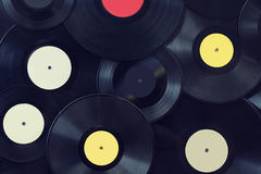 Parede dos discos do vinil Fotografia de Stock Royalty Free