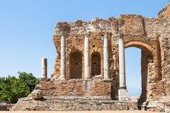Parede e colunas de Teatro Greco em Taormina Imagens de Stock