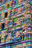 Parede e figuras coloridas na fachada do hindu Imagem de Stock Royalty Free