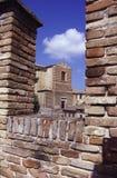 Parede e igreja defensivas Imagens de Stock Royalty Free