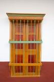 Parede e janela coloridas, arquitetura colonial em Cali Foto de Stock