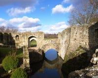 Parede e terras do castelo Imagens de Stock Royalty Free