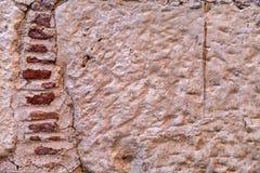 A parede exterior de grandes pedras Imagens de Stock
