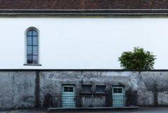 Parede exterior suja de uma construção Fotografia de Stock