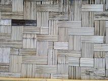 A parede fez do fundo abstrato de bambu foto de stock