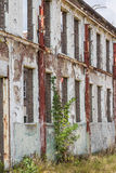 Parede industrial velha com janelas Fotos de Stock Royalty Free