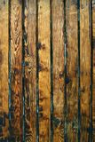Parede marrom rústica feita de pranchas de madeira Fundo natural woo Foto de Stock Royalty Free