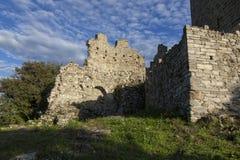 Parede medieval do castelo de Baradello Lago Como Italy imagens de stock