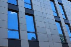 Parede moderna das janelas do escritório Foto de Stock Royalty Free