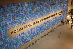 Parede no museu memorável do 11 de setembro nacional, NYC Fotografia de Stock Royalty Free