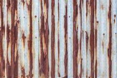 Parede ondulada oxidada do metal Fotografia de Stock