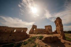 Parede velha da ruína da cidade antiga de Fes, Marrocos Fotografia de Stock Royalty Free