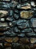 Parede velha do monastério feita de rochas grandes 3d textura vertical, fundo Foto de Stock Royalty Free