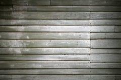 A parede verde velha feita do forro de madeira embarca Imagem de Stock