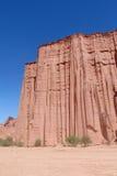 Parede vermelha alta da rocha Fotografia de Stock Royalty Free