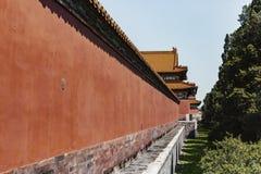 Parede vermelha do palácio proibido no Pequim, China fotografia de stock