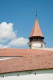 Paredes altas alrededor de la iglesia fortificada de Prejmer Foto de archivo