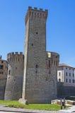 Paredes antiguas de una ciudad medieval en Italia Fotos de archivo
